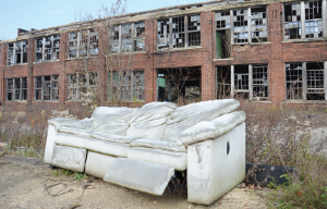 Youngstown, Ohio, is pocked with abandoned factories from the collapse of the steel-mill industries decades ago. Anti-fracking protestors believe the boom-bust history will repeat itself, leaving environmental ruin in its wake. (Image: Dimiter Kenarov)